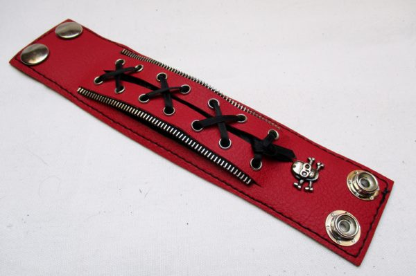 Pásek se šněrováním - červený